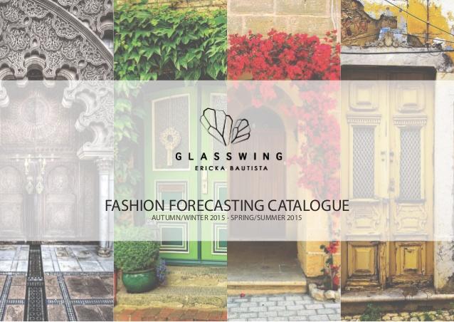 in catalogue nhẹ nhàng với cây phong lá đỏ