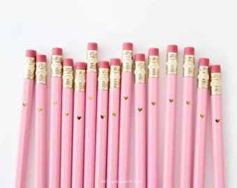in ấn phẩm bút chì màu hồng phấn !