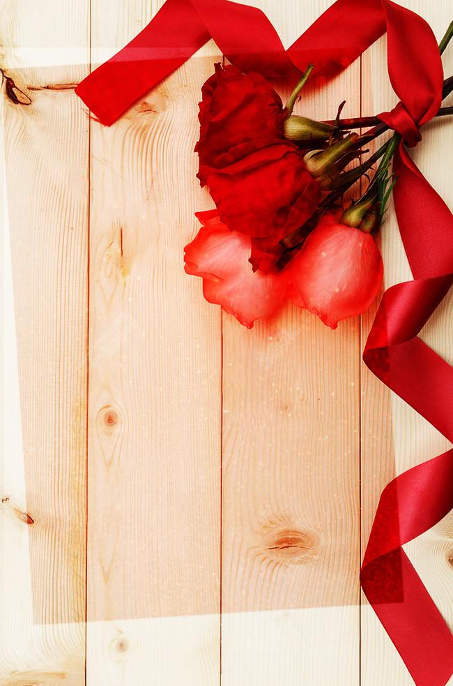 in ruy băng và hoa hồng quyến rũ